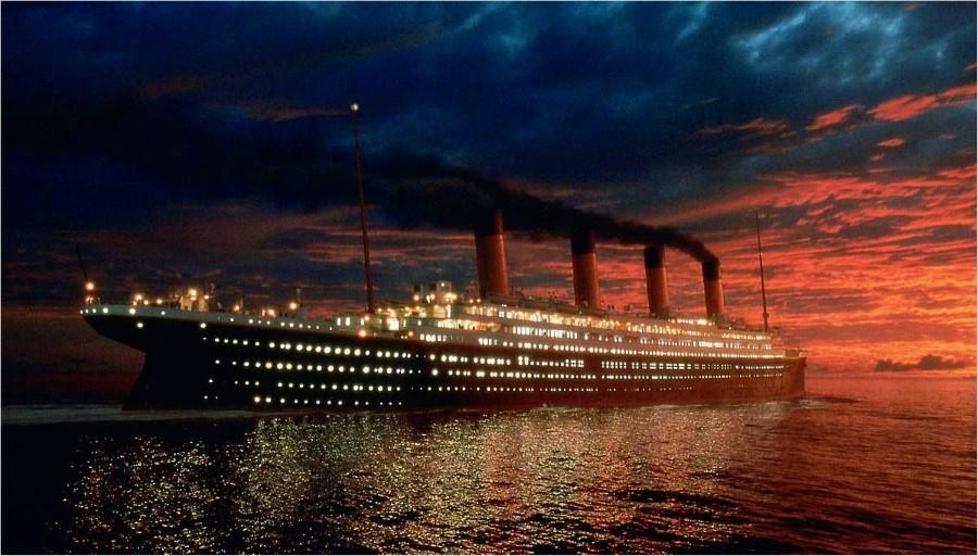 El Titanic a medianoche navegando el Atlántico Norte